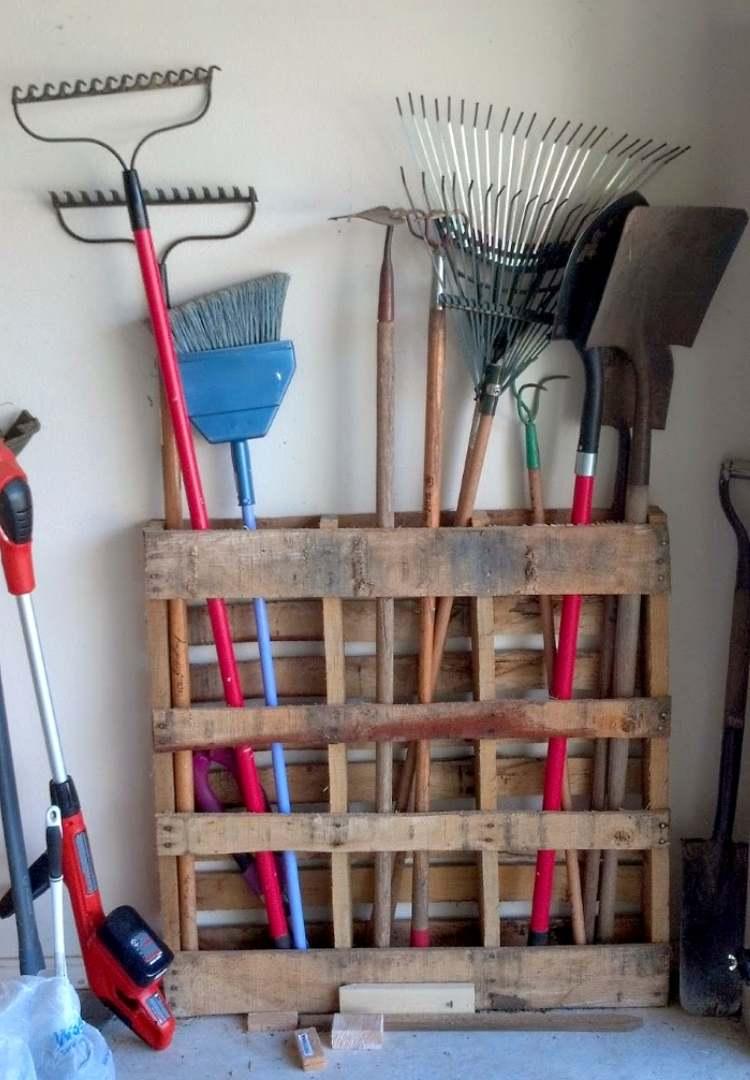 DIY pallet ideas for garage storage