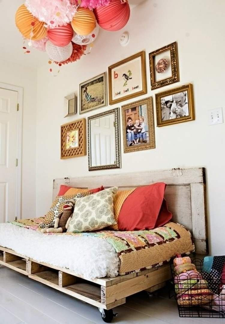 DIY pallet ideas for a day bed