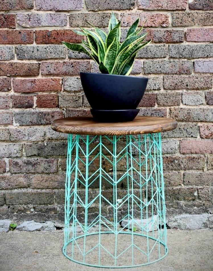 DIY wire basket side table patio diy ideas