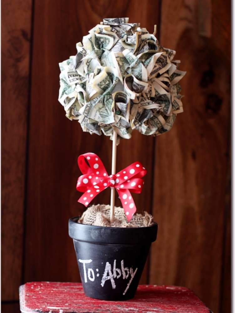 Unique and creative money gift ideas- money made into a tree