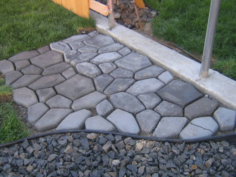 Backyard DIY Ideas - pavers