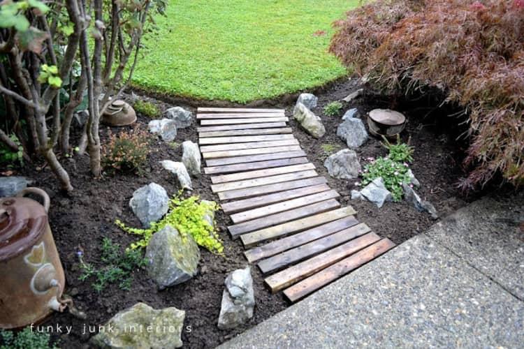 Backyard DIY Ideas - wooden walking path