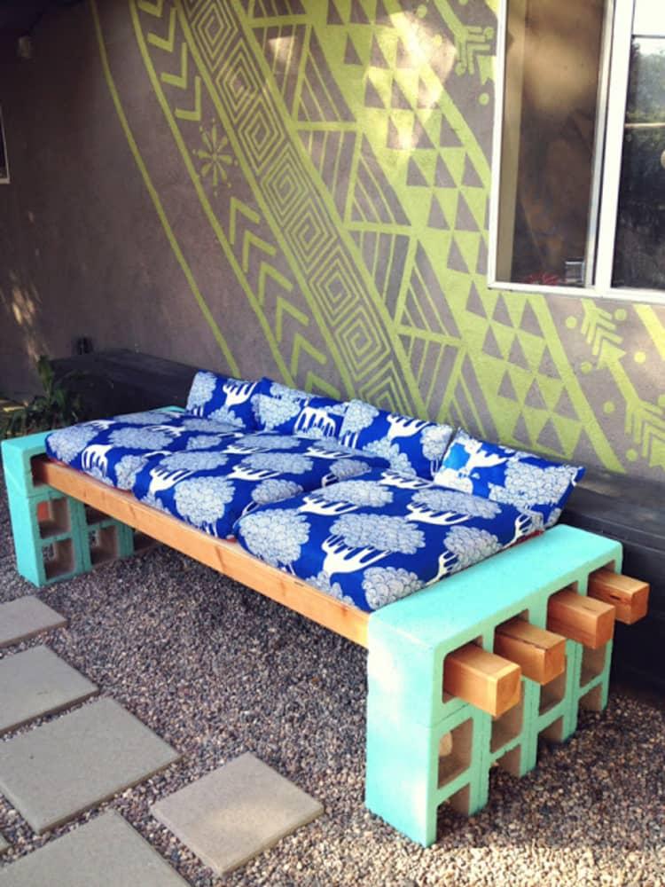 Backyard DIY Ideas - pallet bench