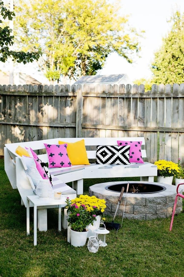 Backyard DIY Ideas - fire pit seating