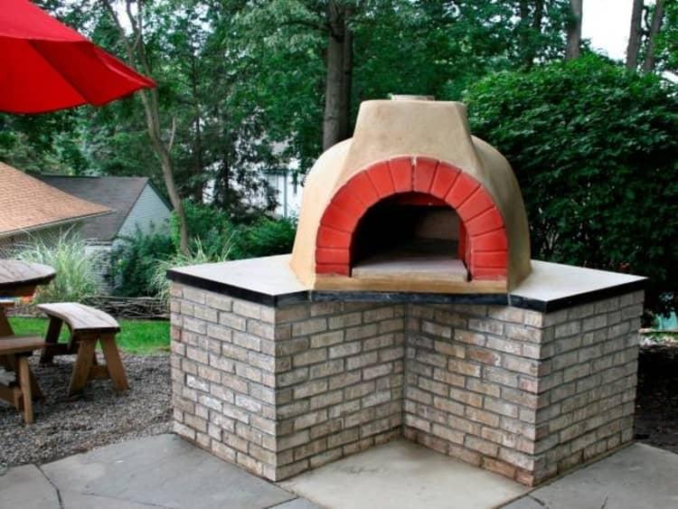 Backyard DIY Ideas - pizza oven