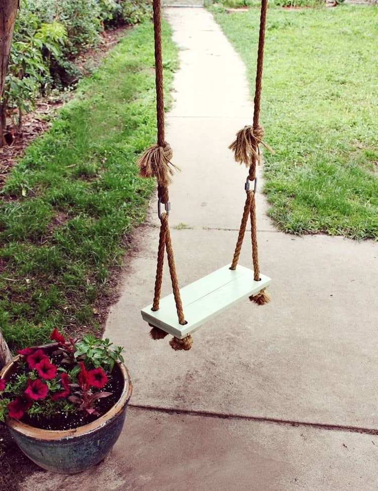 Backyard DIY Ideas - rope swing