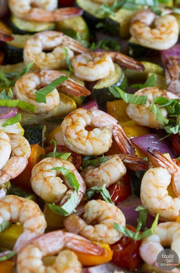 Shrimp sheet pan dinner; Balsamic shrimp, and green vegetables