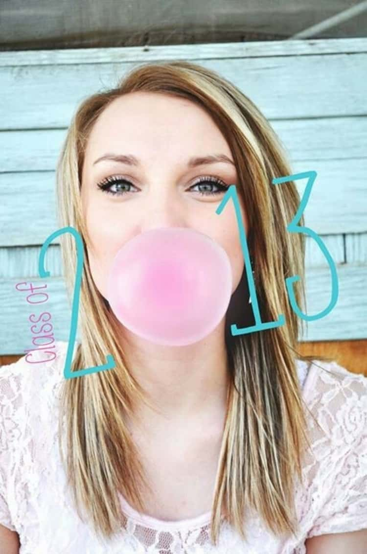 senior picture ideas for girls - girl blowing up bubble gum, with the blown-up bubble gum serving as number zero to spell 2013