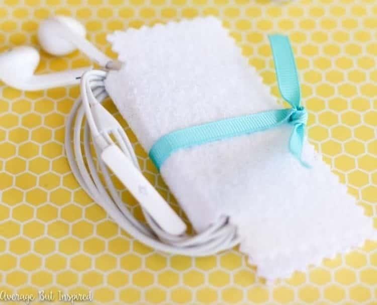 DIY Felt Fabric earbuds case