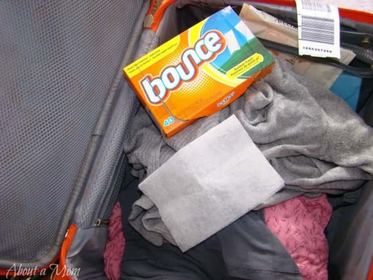 Put a dryer sheet in your suitcase to keep clothes smelling clean