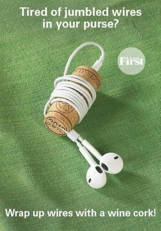 diy wine cork earbuds holder