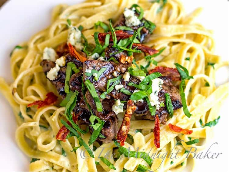 Steak Gorgonzola-Alfredo Copycat Recipe cooked on linguinni pasta
