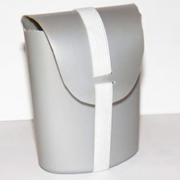 Convert your old shampoo container into a new home for your bar soaps with a folding lid and elastic lock.