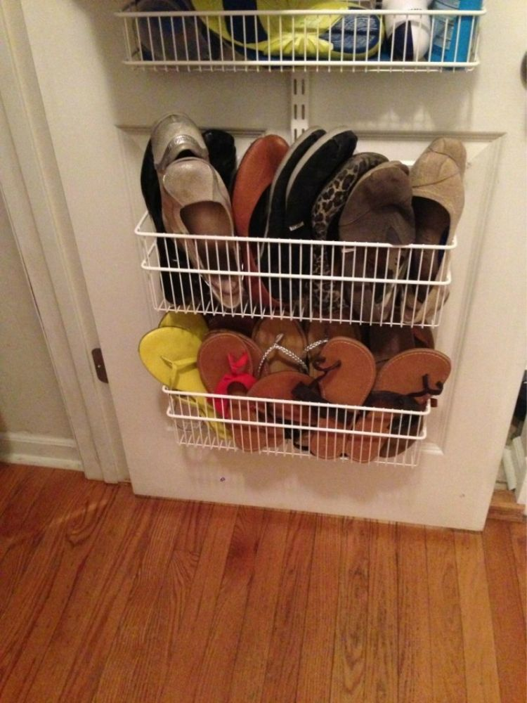 Put flip flops and small shoes in narrow wire baskets