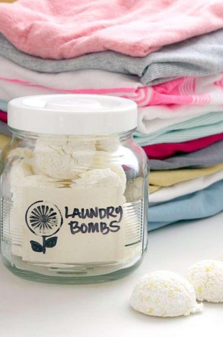 Hydrogen peroxide and baking soda laundry bombs