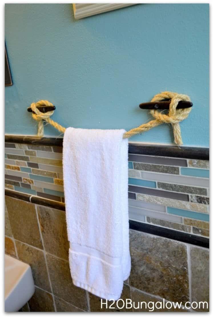 Rope towel bar