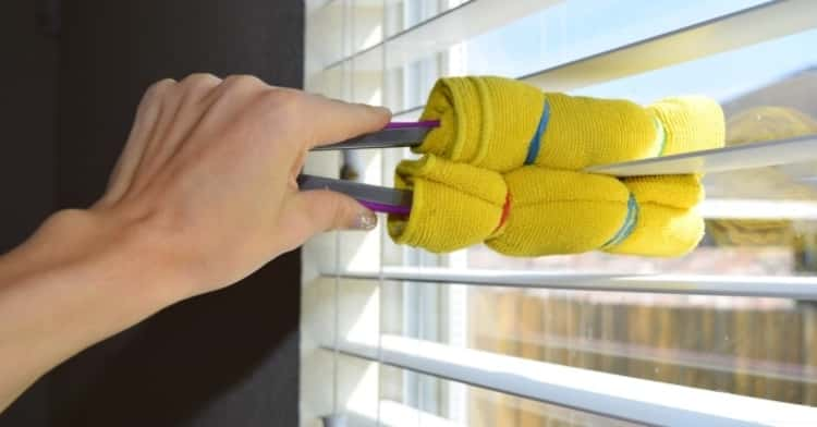 Clasp Cloth and Tongs For Window Blinds Cleaning Hack