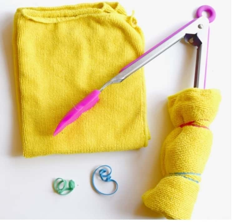 Wrapping Fibre Cloth On Tongs For DIY Blinds Cleaning