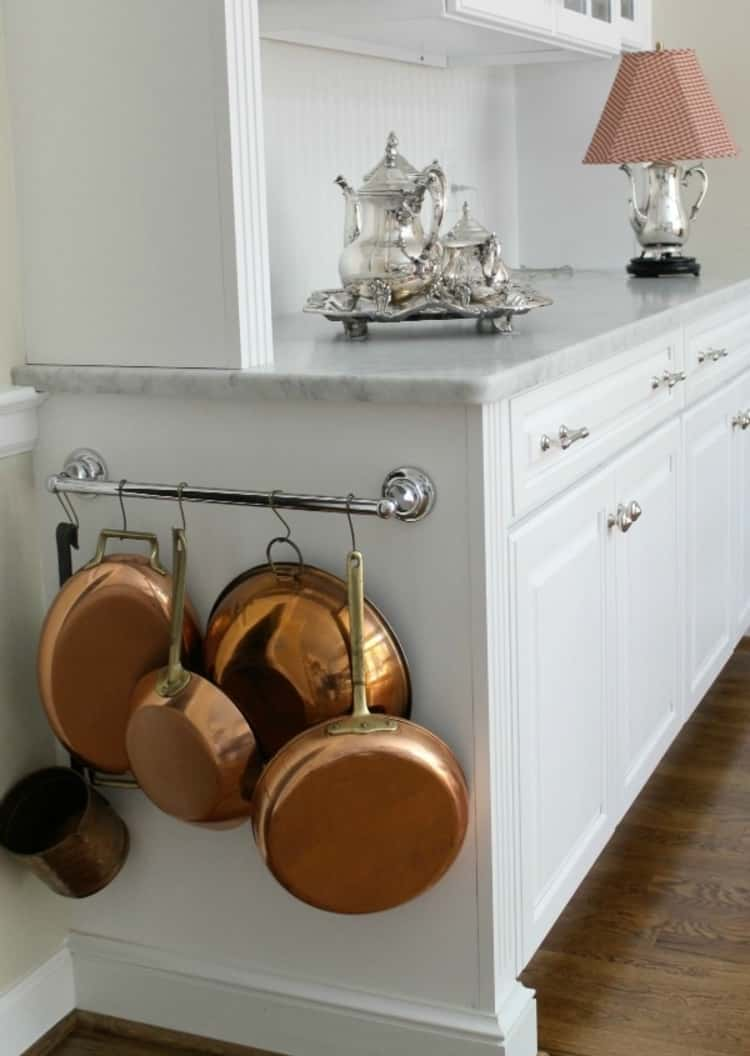 Pots and Pans Holder From a Towel Bar