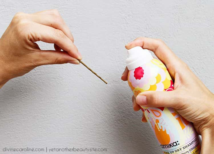 Hairspray hack to fasten bobby pins