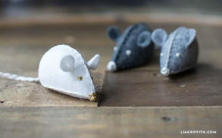 DIY cat toys - 3 DIY felt mouse toys