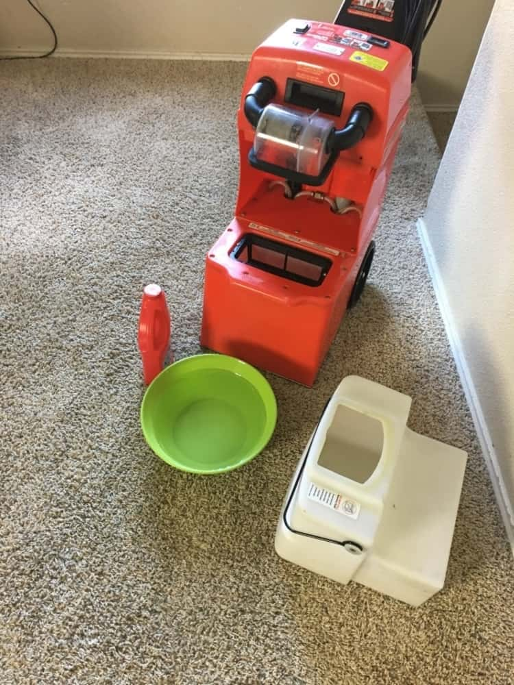 A photo showing how to assemble the rug doctor cleaning machine