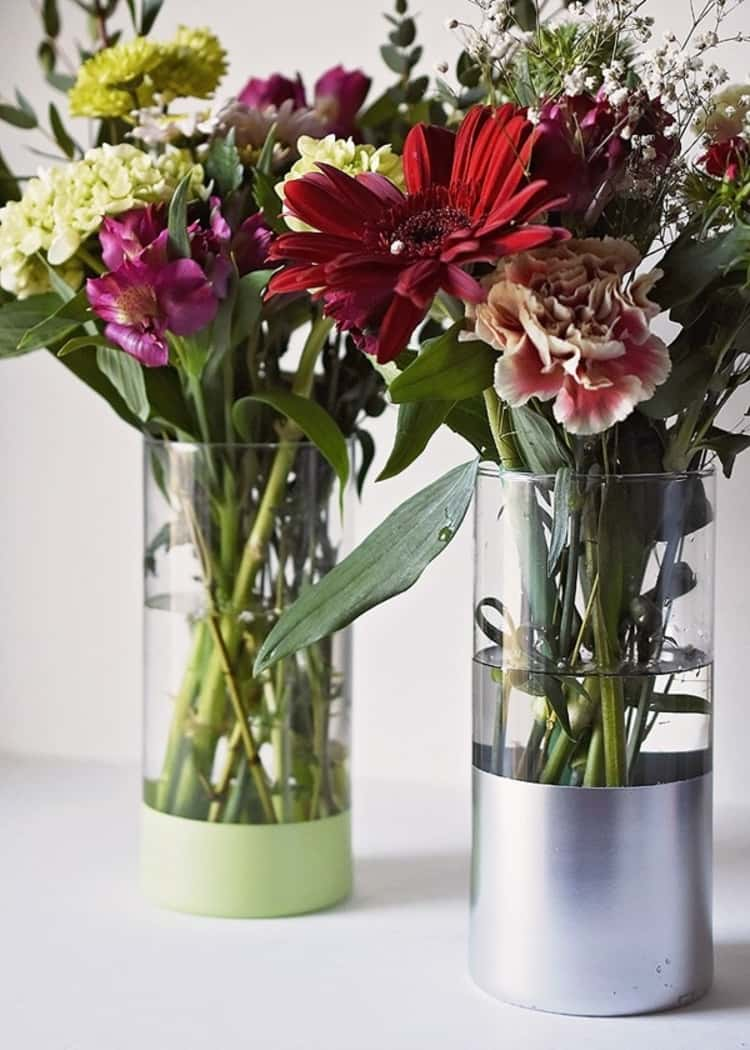 Create stunning vases - easy DIy with Dollar Store vases and metallic paint