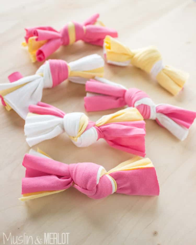 6 DIY knotted t-shirt cat toys