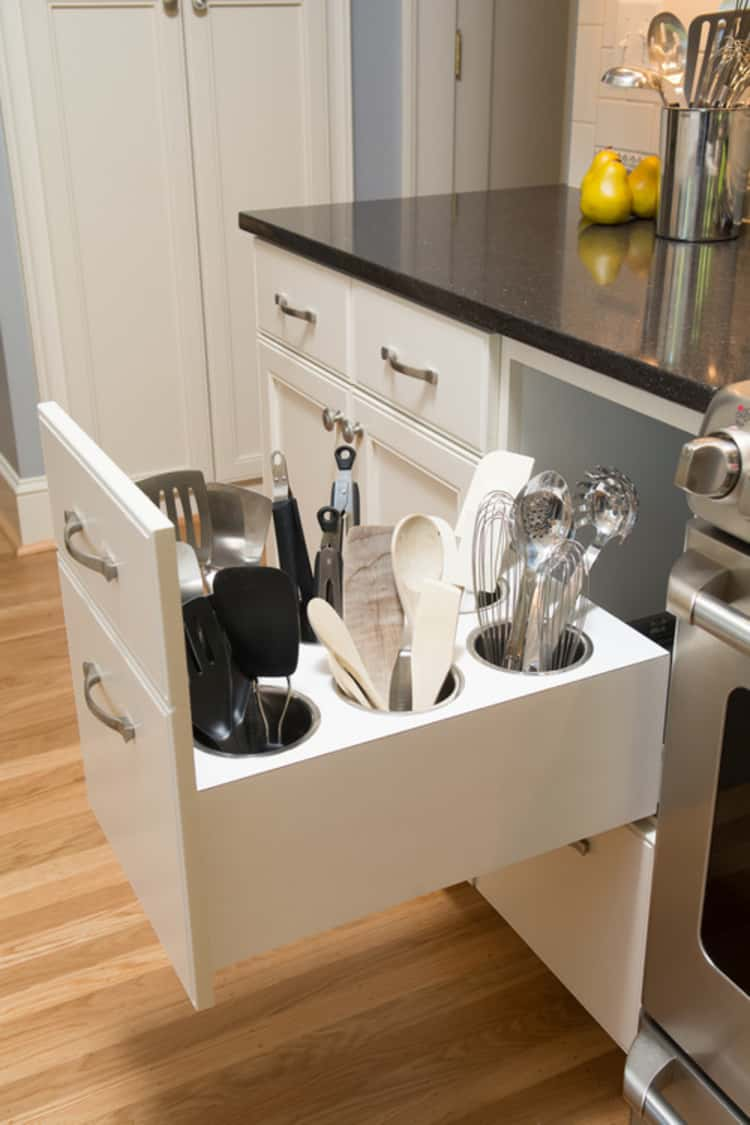 utensils stored upright in a drawer for orgnization