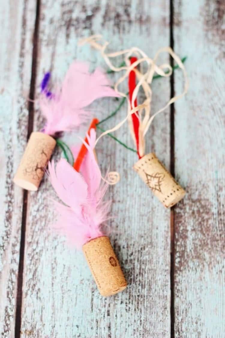 3 wine cork DIY kitty toys