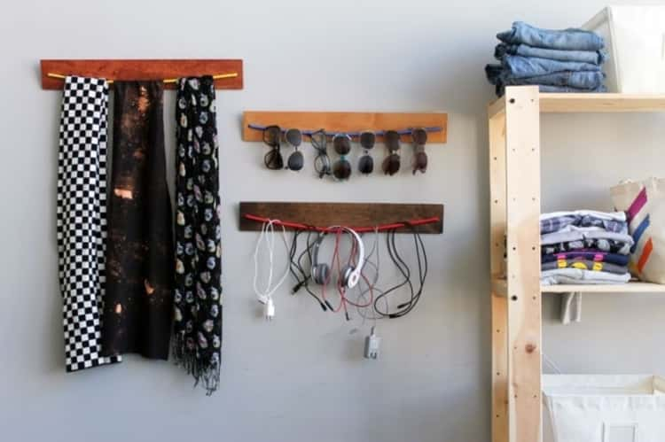 bungee cord uses - wooden accessory organizers made from bungee cords