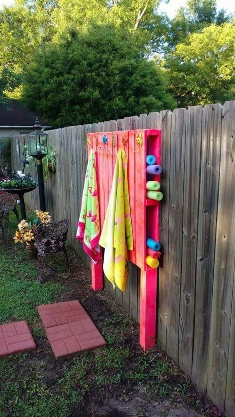 DIY summer pallet towel hanger by the pool side