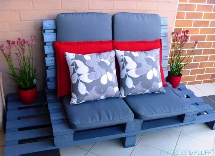 Outdoor Pallet Design for Patio