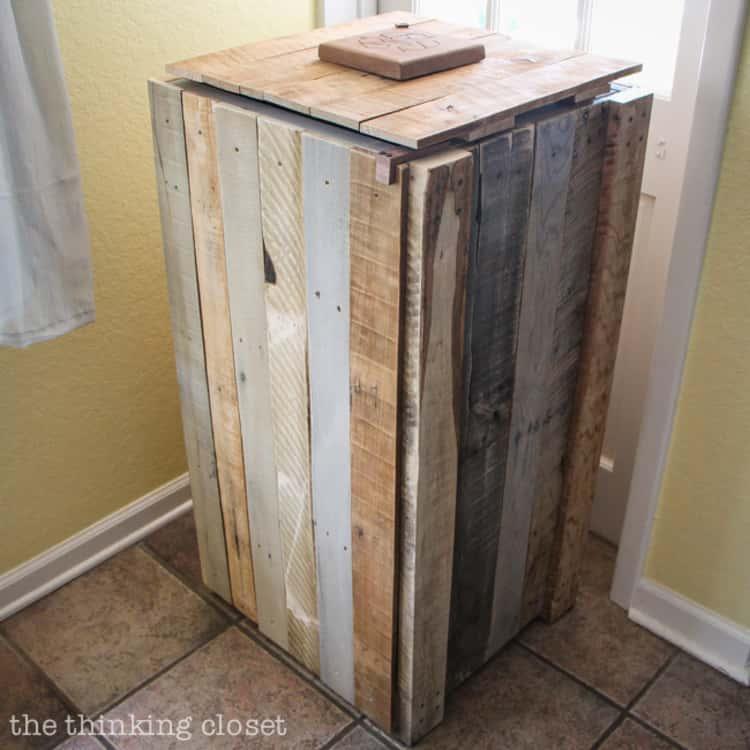 Rustic pallet inspired recycle bin