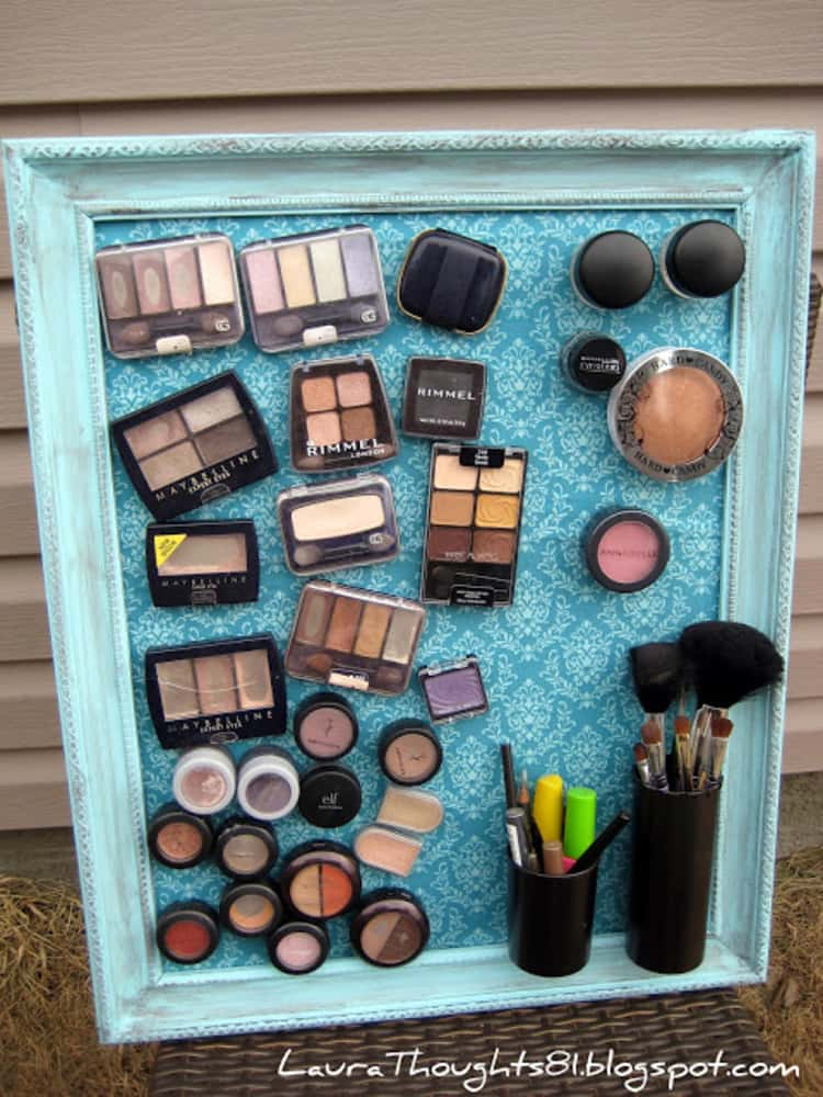 Magnetic makeup picture frame board